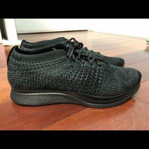 Nike Flyknit Racer triple black size 6.5